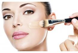 TOP 5: la nostra selezione dei migliori fondotinta per una base make-up perfetta